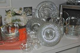 Terrific collection of vintage/depression glassware