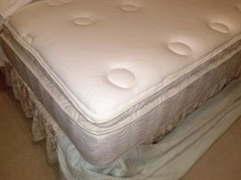 King mattress set like new