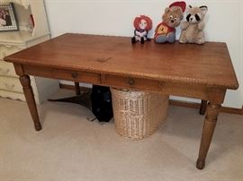 Large table/desk