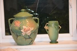 Roseville vase & cookie jar