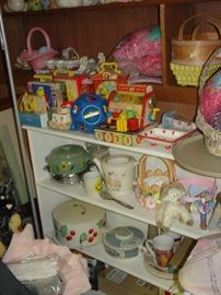 Vintage toys, kitchen goods