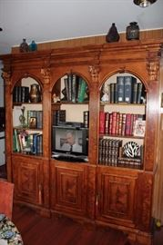 Multi Piece Wall Unit with Bookcases And Cabinets