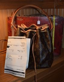 Louis Vuitton Purse with Receipt and registration numbers - We have 3 Vuitton's and a Prada...see photos at the end of the list
