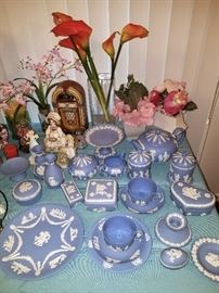 Decor and collectibles. Wedgewood