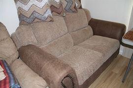 love seat excellent condition