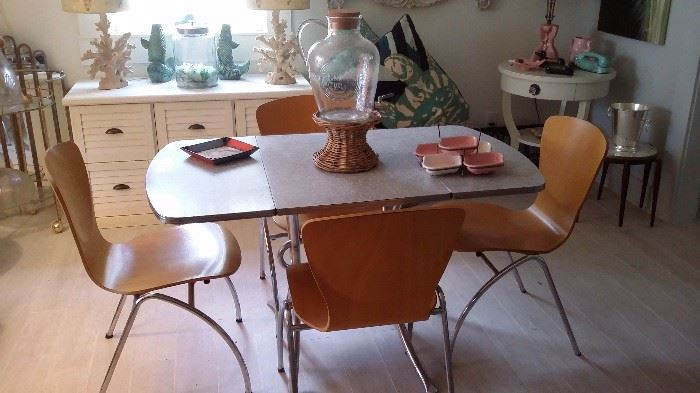 50's DROP LEAF FORMICA DINING TABLE with 4 EAMES STYLE WOOD & CHROME CHAIRS
