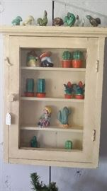 VINTAGE PAINTED WOOD WALL CABINET,  S & P COLLECTION, MAJOLICA HENS & ROOSTERS