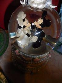 Mickey Minnie Wedding Snow Globe