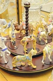 1988 Franklin Mint Treasury of Carousel Rotating Display w/ Porcelain Figurines