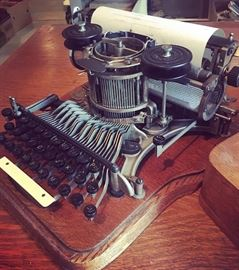 Hammond No. 12 Typewriter (Early 1900s)