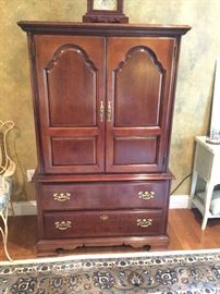 Lexington dresser