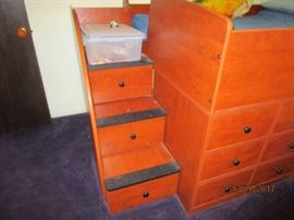 Steps to upper bunk