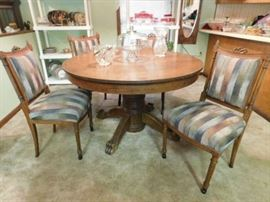 Round Oak Dining Table - 4 Victorian Chairs -