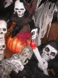 Full size Halloween figures..tons more