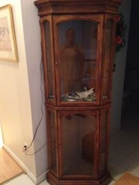 Corner lighted curio cabinet! American of Martinsville quality!