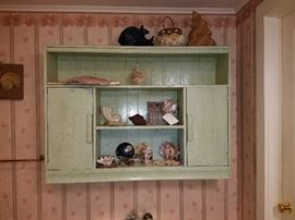 Nice wall cabinet/shelf