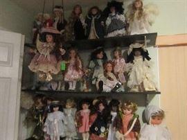 Approximately 200 dolls