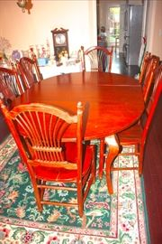 Nichols & Stone Dining table & chairs
