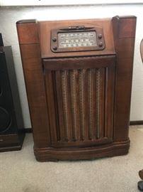 1940's Philco Short Wave Radio & Turntable