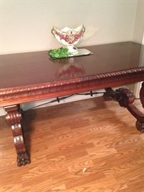 Antique Italian table/desk with beautiful carving