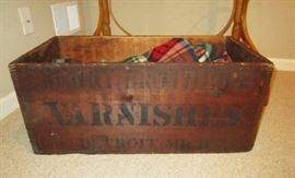 """Antique wooden Box """"Varnishes"""", Detroit, Mich. Advertising"""