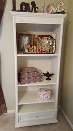 Simply Shabby Chic book case