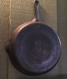VERY OLD GRISWOLD SKILLET