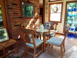 Art Van pine table and 4 chairs