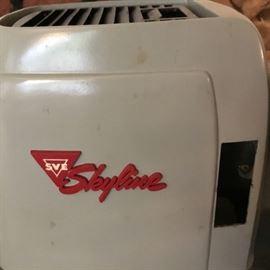 Vintage SKYLINE projector