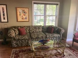 Coffee tables & area rugs