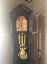 GRANDFATHER CLOCK VIKING CLOCK CO HERMLE BLACK FOREST CLOCK