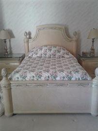 Henredon Bedroom Set