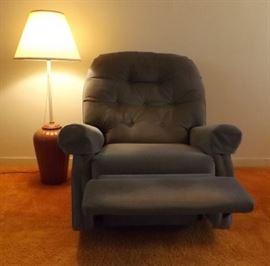 MFM007 Comfy Upholstered Recliner
