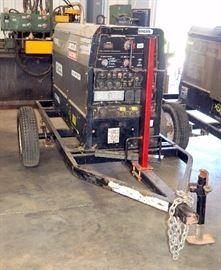Lincoln Electric Vantage 300 Welder, Serial # U1101205820, 4944.3 Hrs With Kubota 22hp Engine