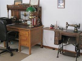 antique sowing mach