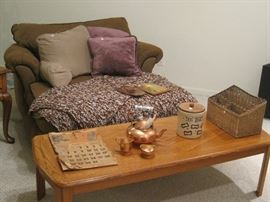 chair and oak coffee table