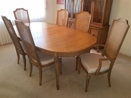 Thomasville dining room table and six chairs