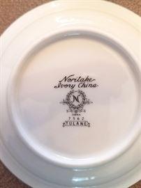 "Noritake Ivory China set ""Tulane"""