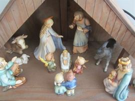 14 PIECE HUMMEL NATIVITY PLUS CRECHE. FROM THE 60'S. NO BOXES BUT EXCELLENT CONDITION