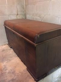 Hope chest (1940s)