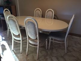 DINING TABLE WITH 1 LEAF & 6 CHAIRS