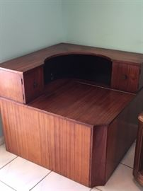 Beautiful rare corner unit with two small doors and large storage