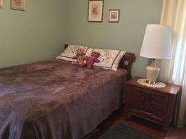 4 pc Thomasville queen bedroom set