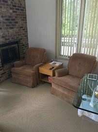 2 brown reclining arm chairs by Mastercraft