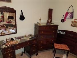 Mahogany 6 pcs. bedroom set