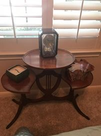 Unique vintage 3 shelf table  ONLY  table is available in the picture
