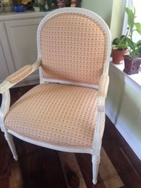 Lovely accent chair