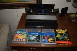 Atari 5200 with 2 controllers and 4 games available