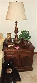 Ethan Allen coffee table     LIVING ROOM
