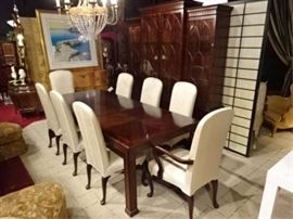 HENREDON ASIAN INSPIRED DINING TABLE WITH 8 QUEEN ANNE CHAIRS